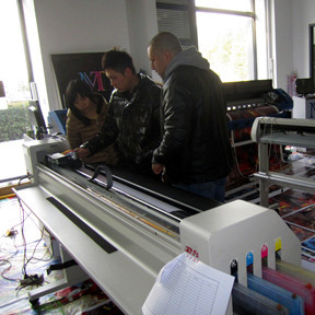Training Eco Solvent Printer, UV Printer, Digital Textile Printer and Solvent Printer!