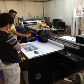 Training Eco Solvent Printer, UV Printer, Digital Textile Printer and Solvent Printer at oversea customer's working site.